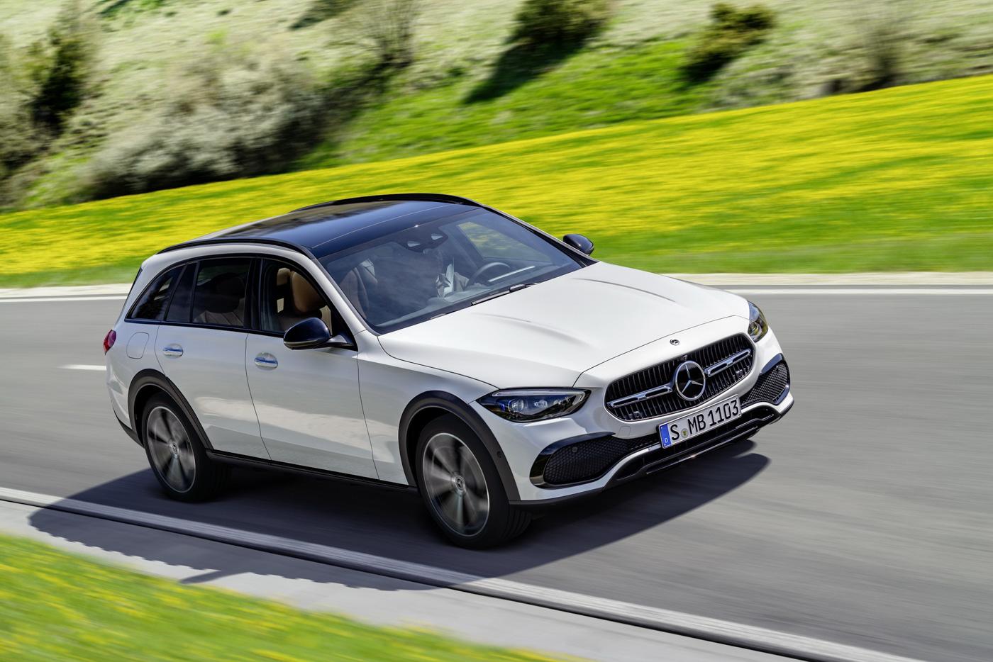 Mercedes-benz-c-class-all-terrain-di-den-moi-noi-cung-mau-xe-gia-dinh-day-thuc-dung (6).JPG