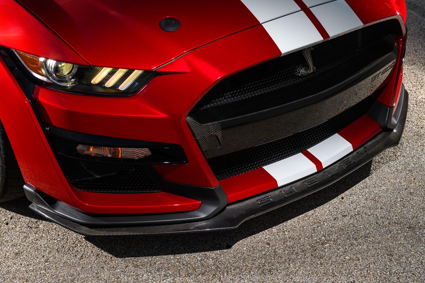 Mustang_GT_500_Carbon_Fiber_Front_Splitter_01.jpg