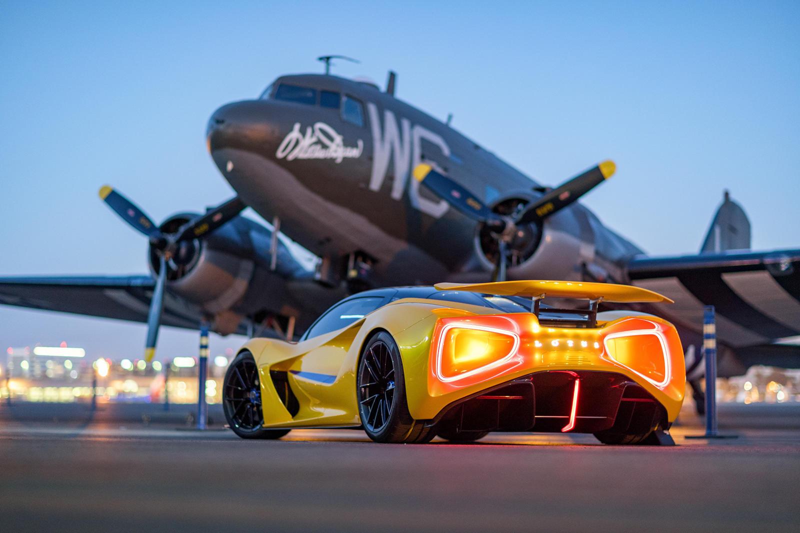 những-mẫu-xe-được-Lotus-mang-đến-Monterey-Car-Week-2021 (4).jpg
