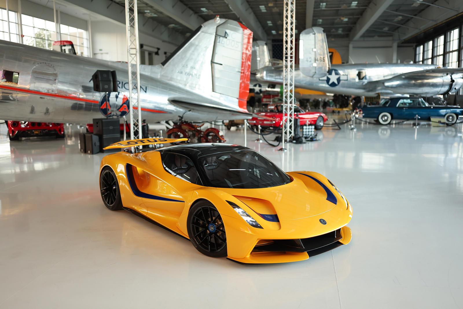 những-mẫu-xe-được-Lotus-mang-đến-Monterey-Car-Week-2021 (8).jpg