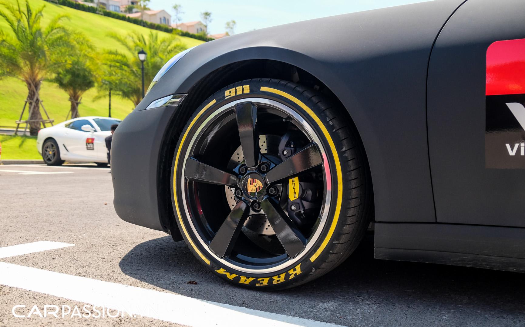 Porsche 911 của vợ chồng YouTuber (11).JPG