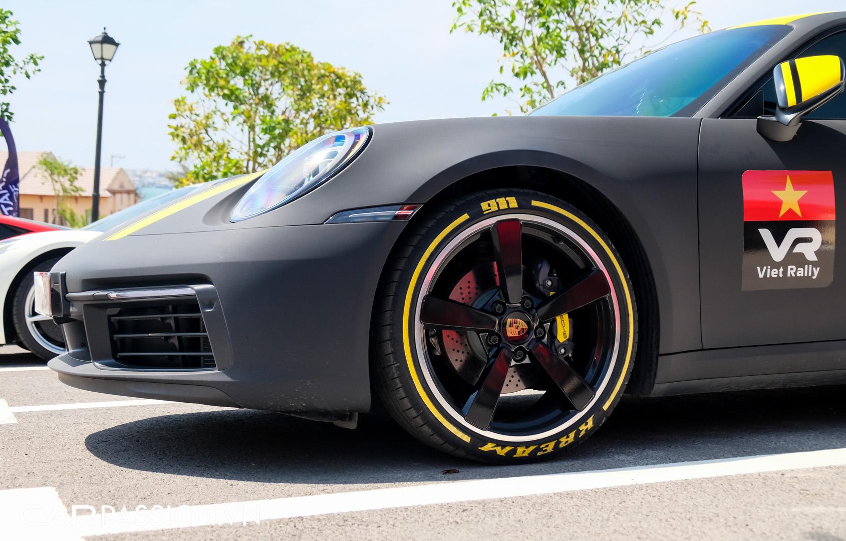 Porsche 911 của vợ chồng YouTuber (4).JPG