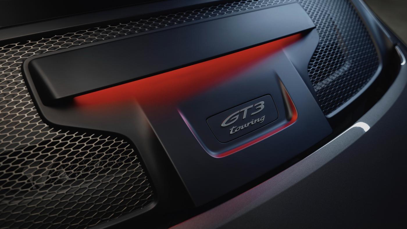 Porsche-911-GT3-Touring-2022-Tìm-lại-sự-phấn-khích-cổ-điển-của-Porsche-15.jpg