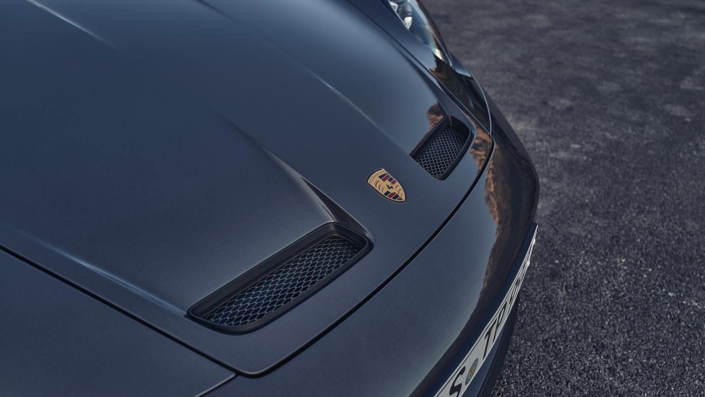 Porsche-911-GT3-Touring-2022-Tìm-lại-sự-phấn-khích-cổ-điển-của-Porsche-16.jpg