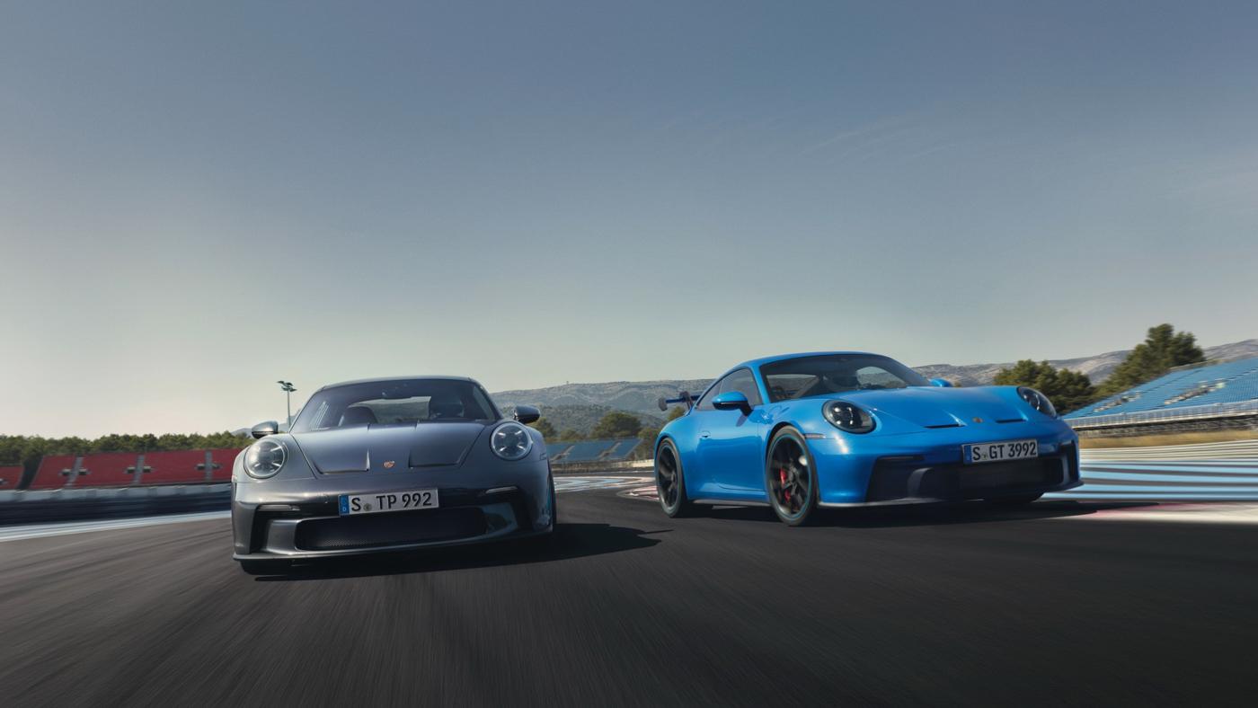 Porsche-911-GT3-Touring-2022-Tìm-lại-sự-phấn-khích-cổ-điển-của-Porsche-17.jpg