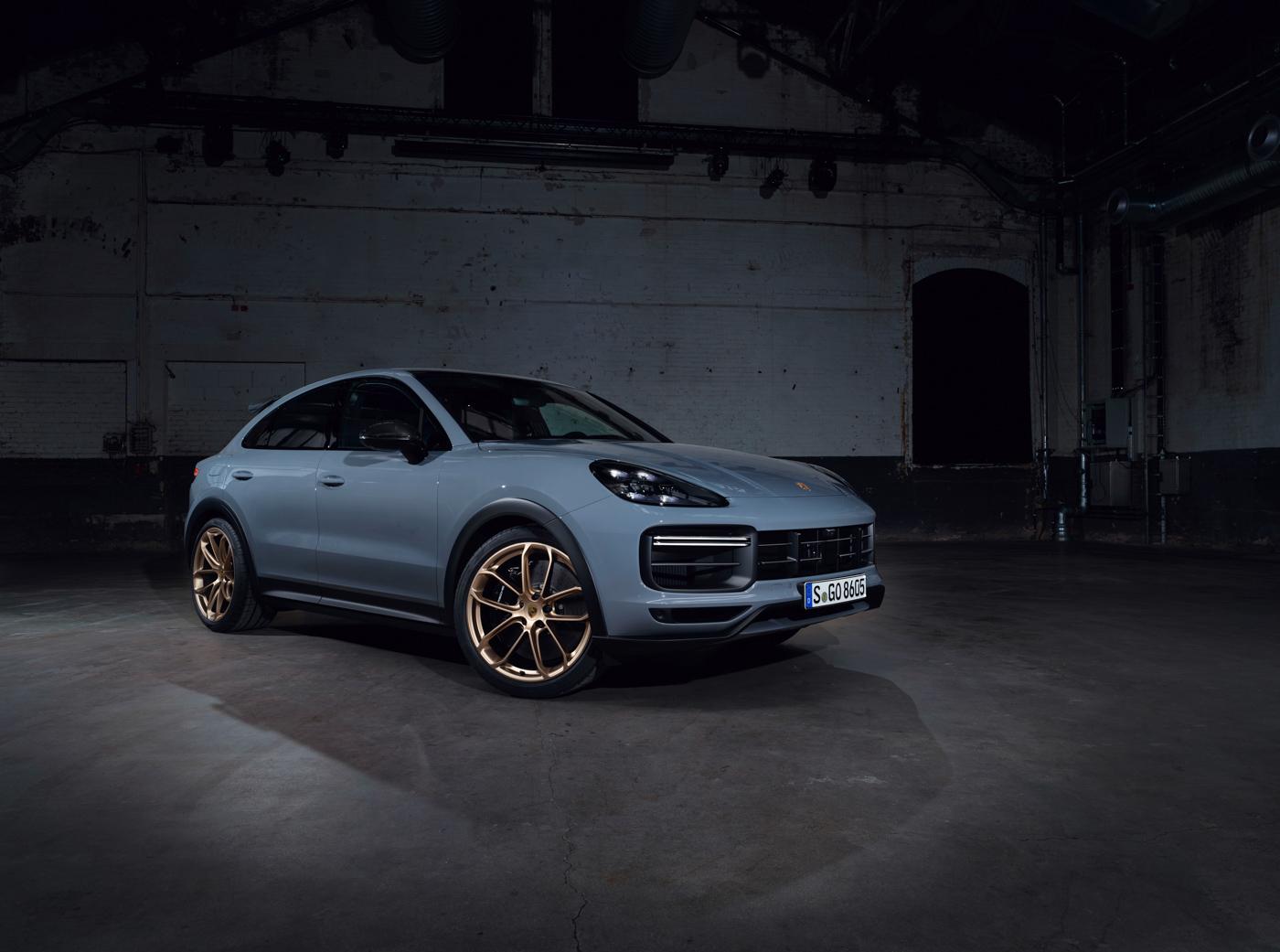 Porsche-Cayenne-Turbo-GT-có-giá-từ-1225-tỷ-đồng-tại-Việt-Nam-5.jpg
