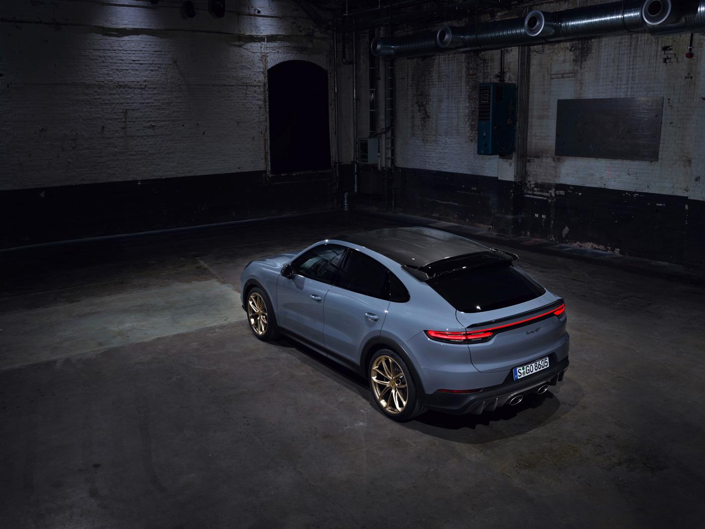 Porsche-Cayenne-Turbo-GT-có-giá-từ-1225-tỷ-đồng-tại-Việt-Nam-6.jpg