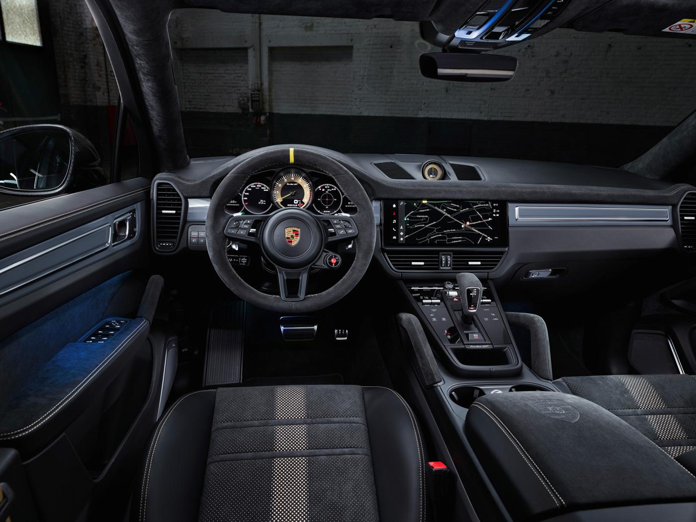 Porsche-Cayenne-Turbo-GT-có-giá-từ-1225-tỷ-đồng-tại-Việt-Nam-8.jpg