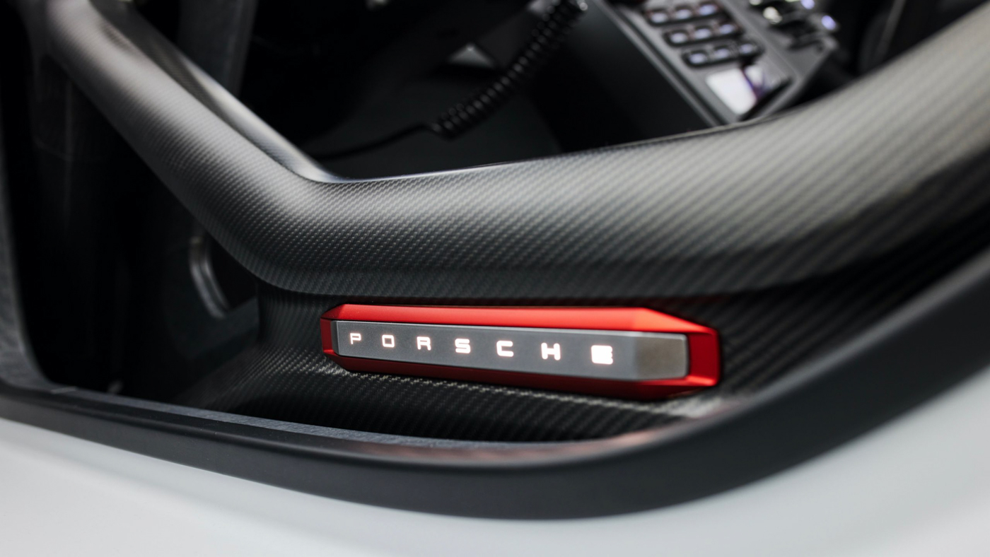 Porsche Mission R Concept (4).JPG