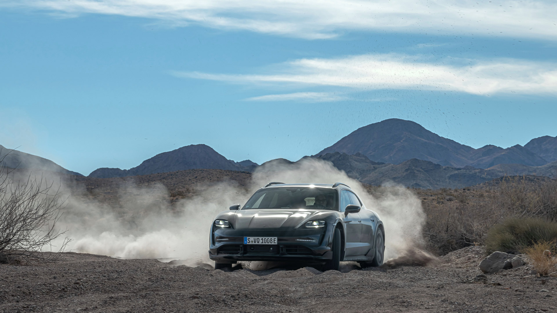 Porsche-Taycan-Cross-Turismo-6.jpg