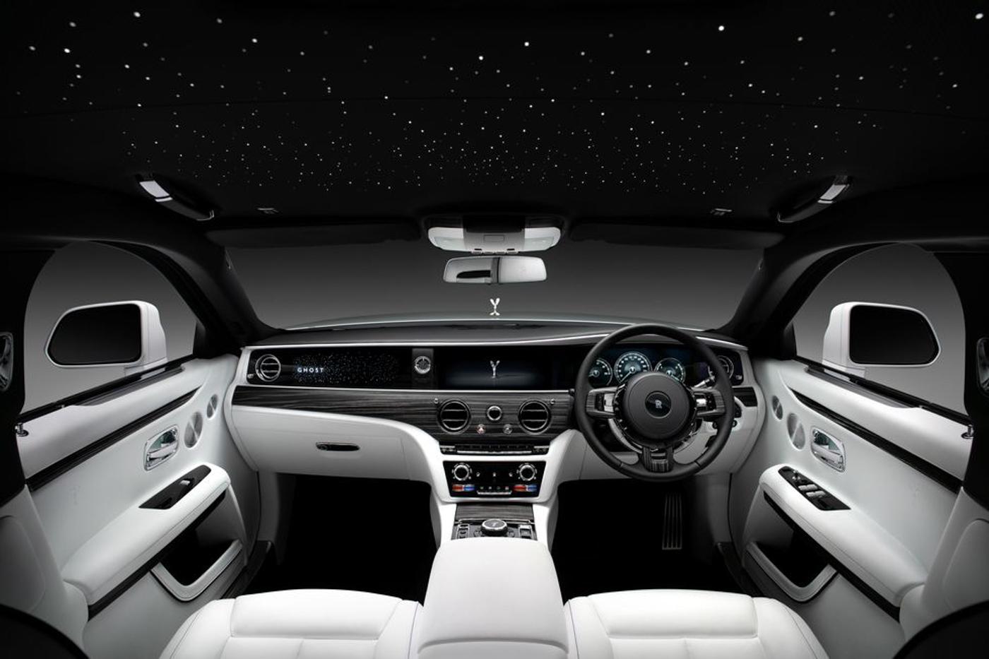 Rolls-Royce-NewGhost-biểu-tượng-xa-hoa-thế-hệ-mới-ra-mắt-khách-hàng-Việt-4.jpg