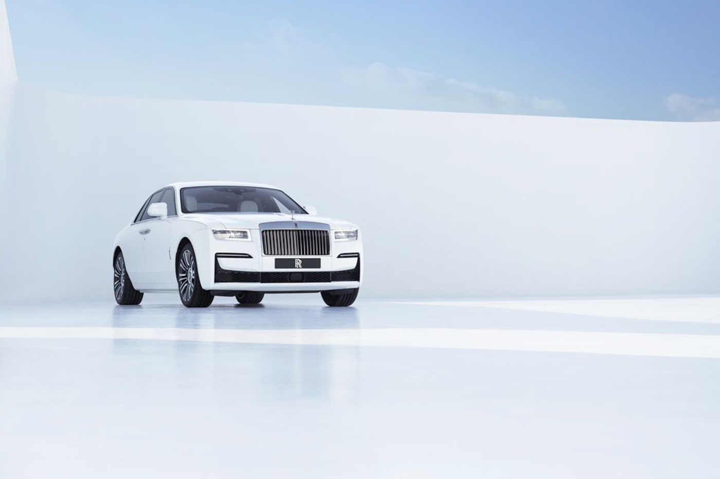Rolls-Royce-NewGhost-biểu-tượng-xa-hoa-thế-hệ-mới-ra-mắt-khách-hàng-Việt-7.jpg