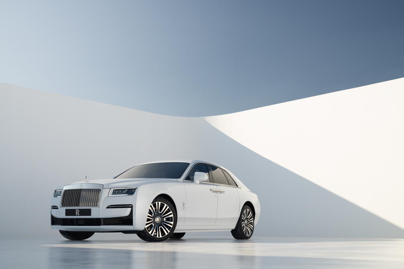 Rolls-Royce-NewGhost-biểu-tượng-xa-hoa-thế-hệ-mới-ra-mắt-khách-hàng-Việt.jpg