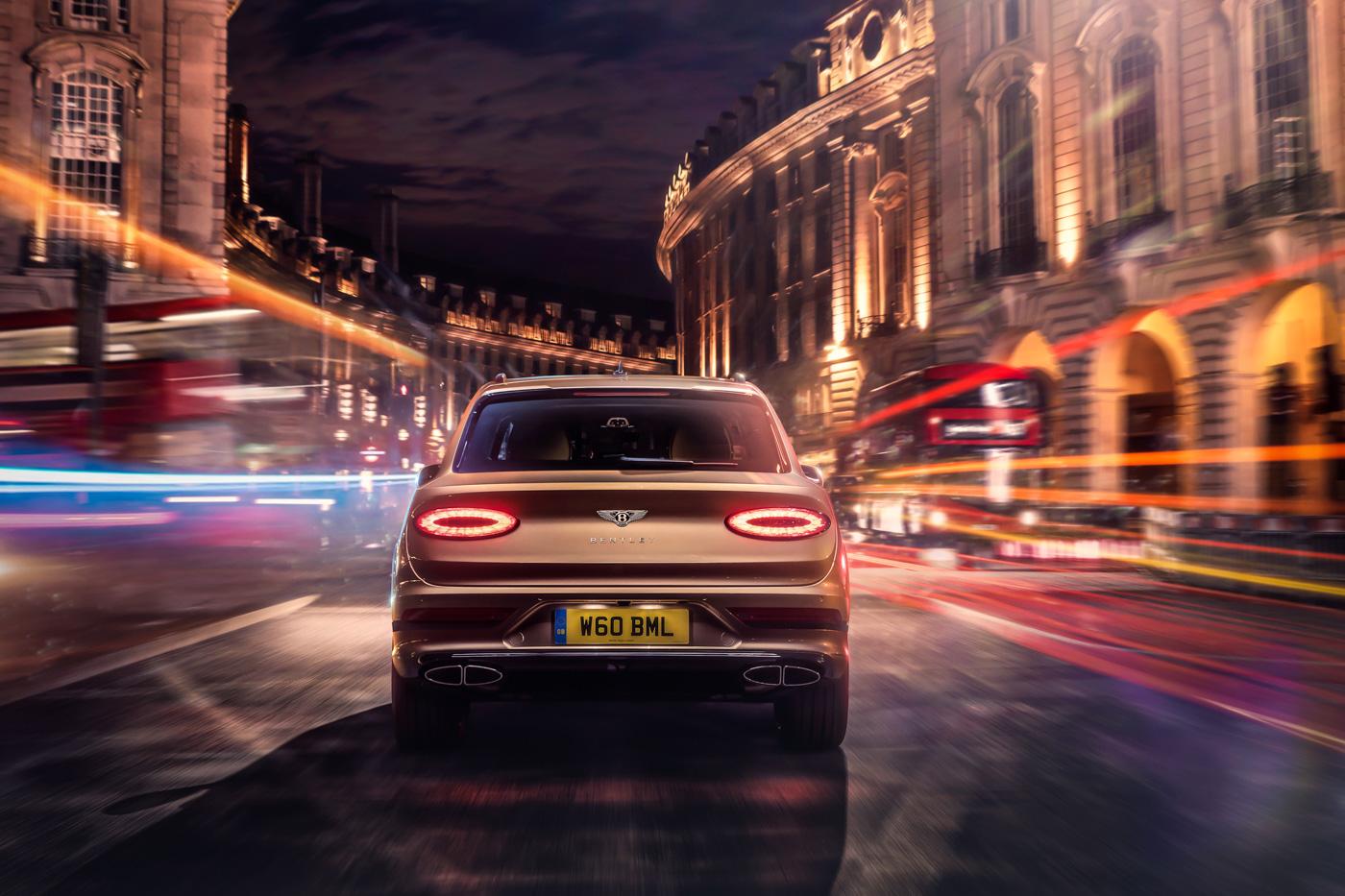 SUV-siêu-sang-Bentley-Bentayga-Hybrid-sẵn-sàng-đến-tay-khách-hàng-tại-Châu-Âu-3.jpg
