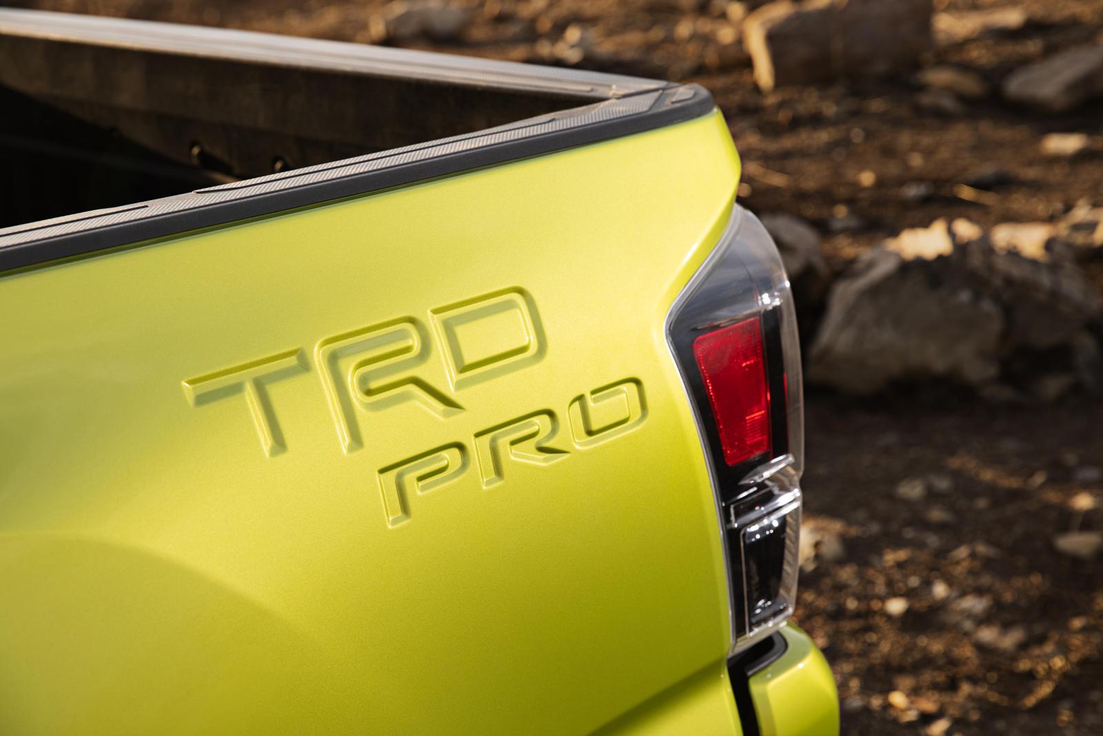 Toyota-ra-mắt-Tacoma-TRD-Pro-2022 (2).jpg