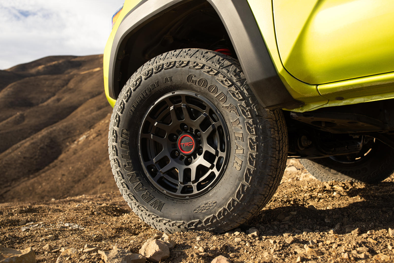 Toyota-ra-mắt-Tacoma-TRD-Pro-2022 (3).jpg
