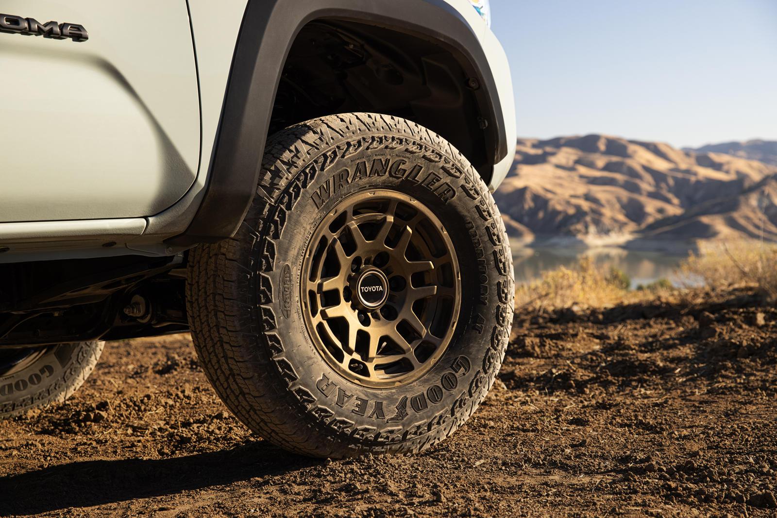 Toyota-Tacoma-Trail-Edition-bán-tải-off-road-giá-rẻ (3).jpg