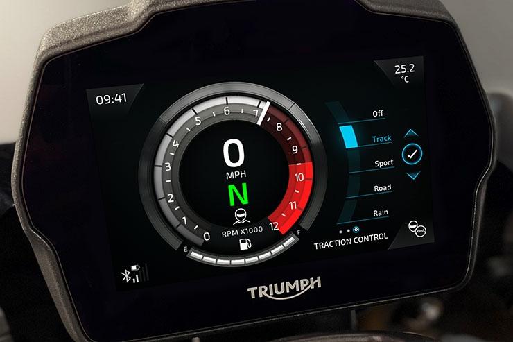 Triumph-Speed-Triple-1200-RS-2021-anh-14.jpg