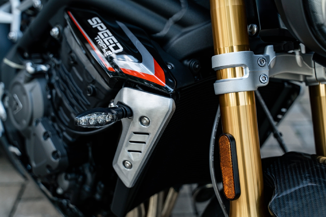 Triumph-Speed-Triple-1200-RS-2021-anh-7.jpg