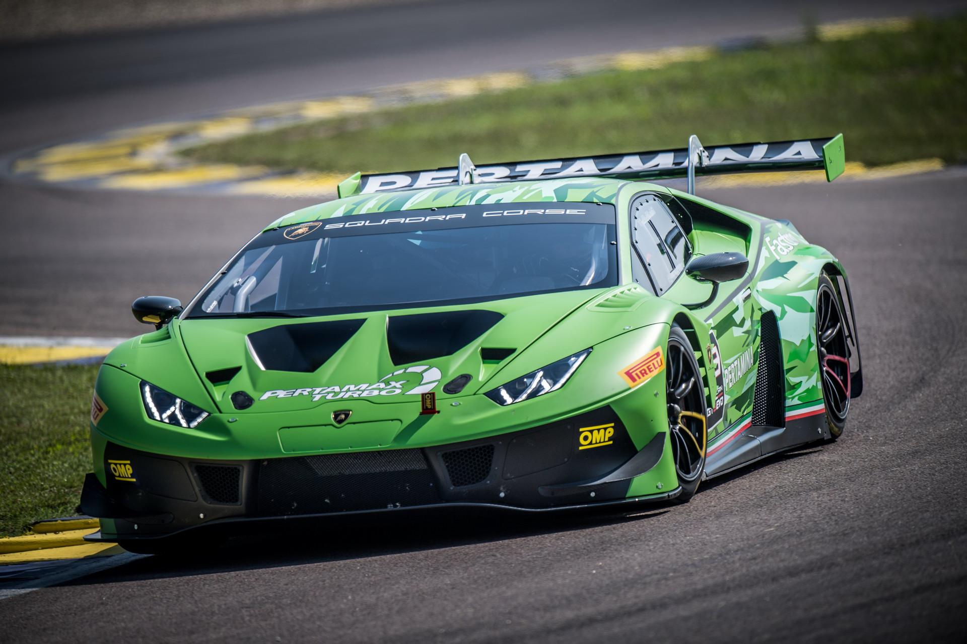 Xe-đua-Lamborghini-Huracan-thứ-400 (3).jpg