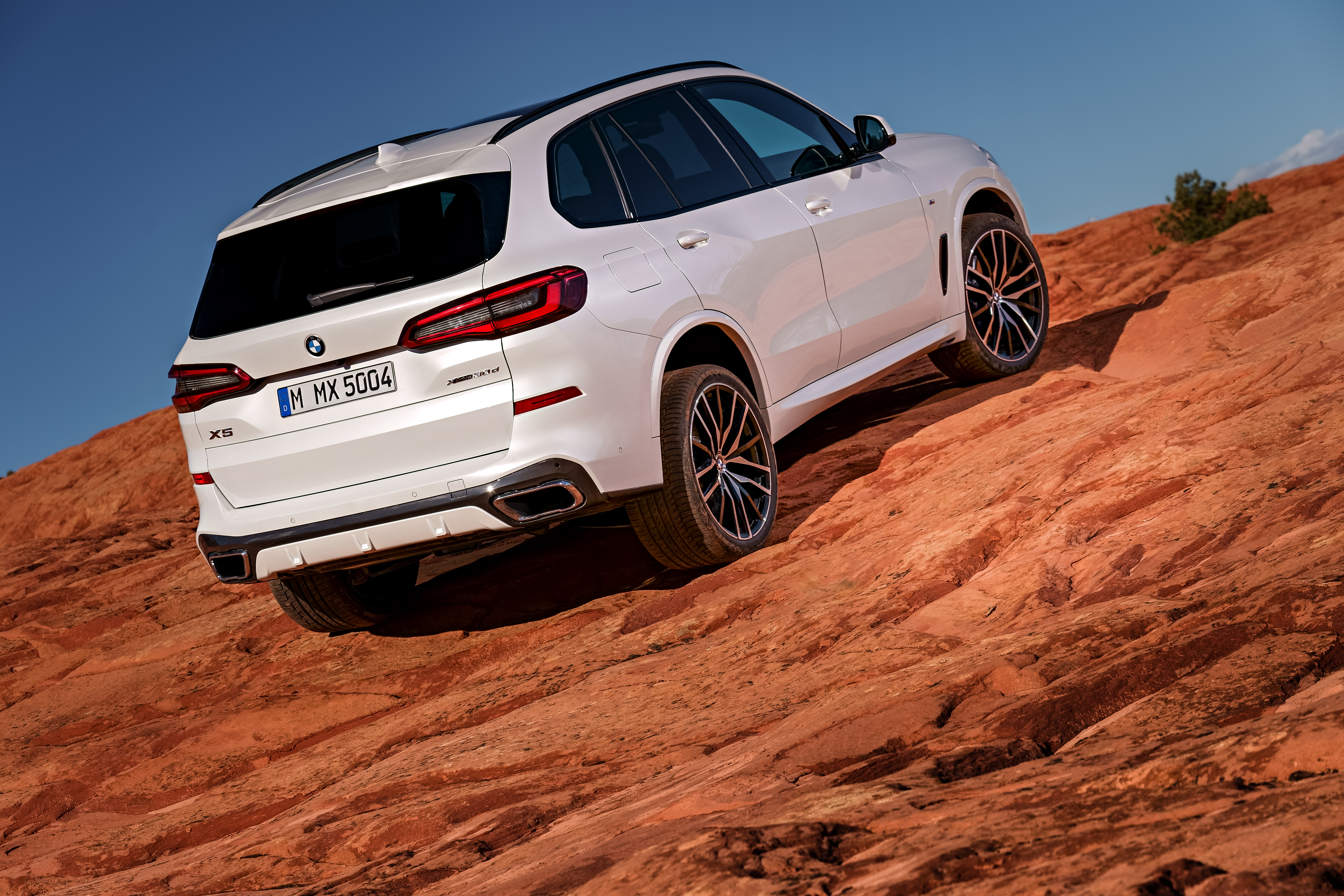 P90304000_highRes_the-all-new-bmw-x5-0.jpg