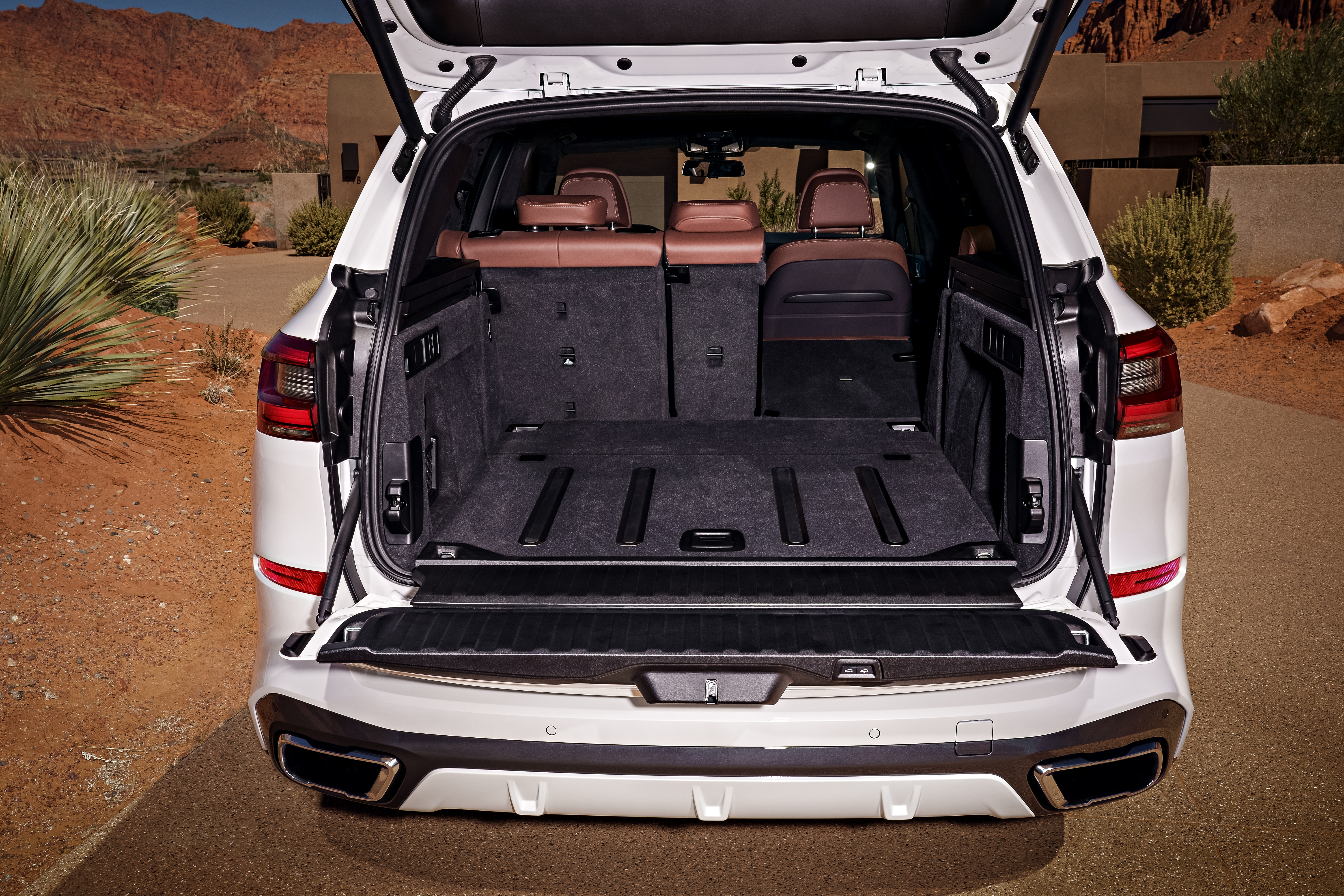 P90304034_highRes_the-all-new-bmw-x5-0.jpg