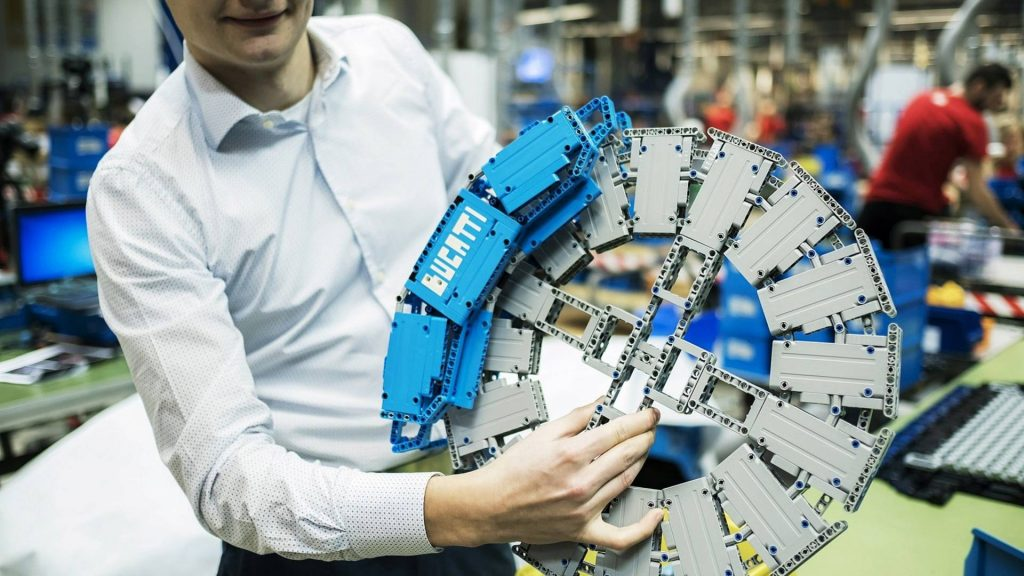 bugatti-chiron-lego-technic-11-10-1024x576.jpg