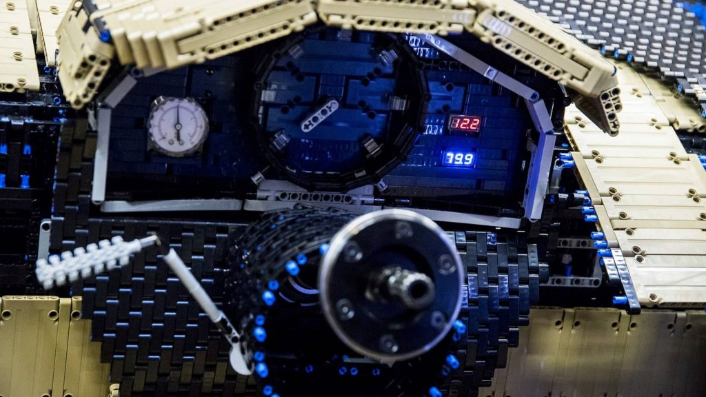 bugatti-chiron-lego-technic-11-15-1024x576.jpg