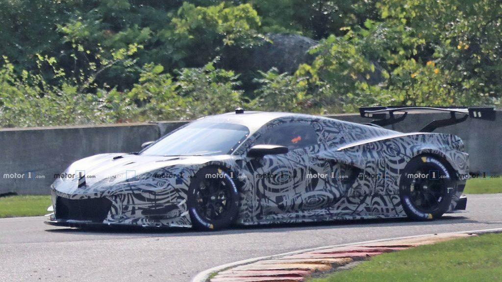 mid-engine-corvette-c8r-race-car-spy-photos-1024x576.jpg