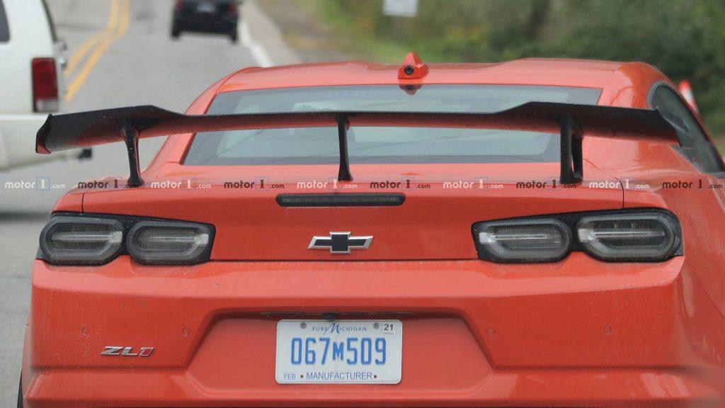 2019-chevy-camaro-zl1-1le-spy-shot-5-1024x576.jpg
