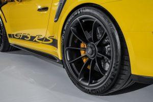 2018-Porsche-911-GT3-RS-2-850x567-300x200.jpg