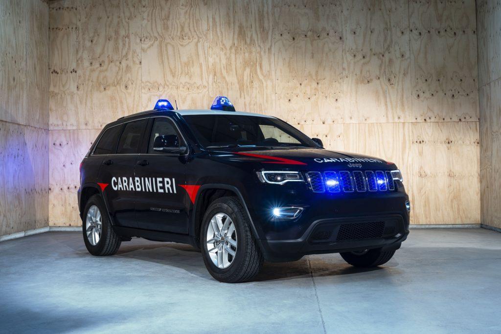 033c6e8a-181031_jeep_grand_cherokee_carabinieri_03-copy-1024x683.jpg