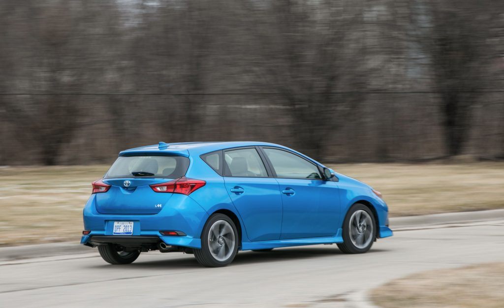 2018-toyota-corolla-im-cargo-space-and-storage-review-car-and-driver-photo-689379-s-original-1024x626.jpg