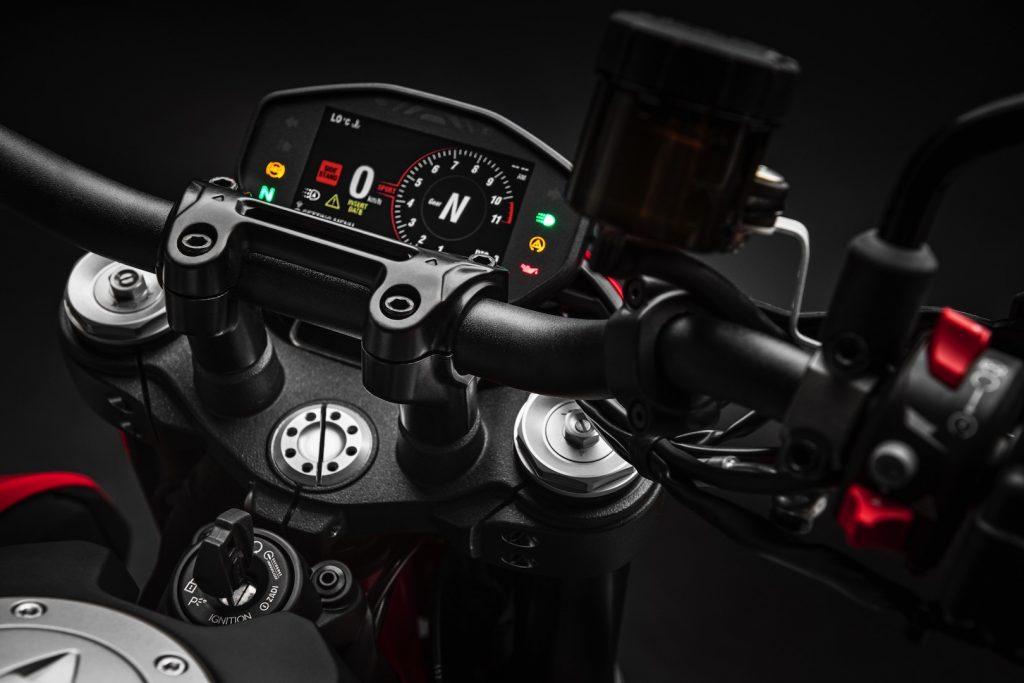 2019-Ducati-Monster-Hypermotard-950-First-look-supermoto-motorcycle-4-1024x683.jpg