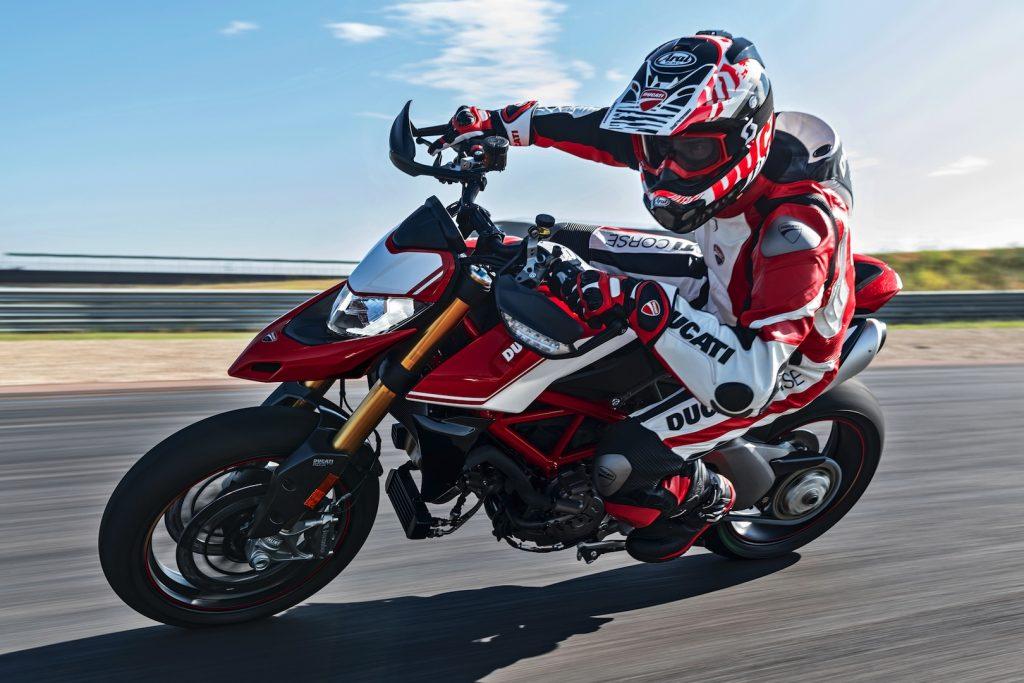 2019-Ducati-Monster-Hypermotard-950-SP-First-look-supermoto-motorcycle-11-1024x683.jpg