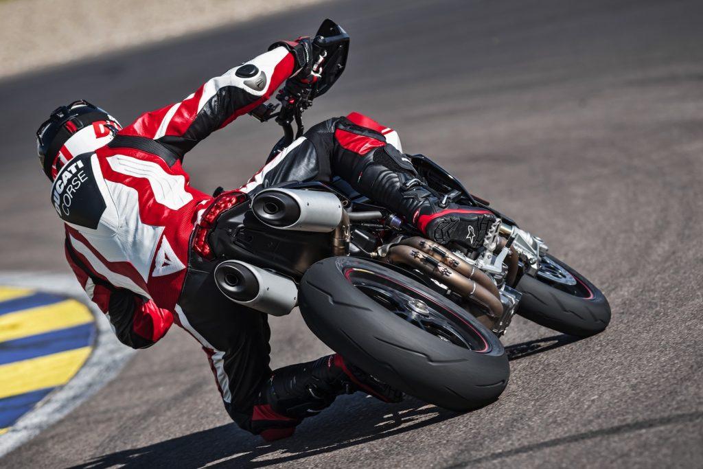 2019-Ducati-Monster-Hypermotard-950-SP-First-look-supermoto-motorcycle-12-1024x683.jpg
