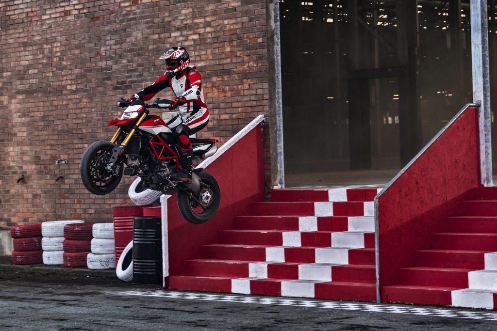 2019-Ducati-Monster-Hypermotard-950-SP-First-look-supermoto-motorcycle-6-1024x683.jpg