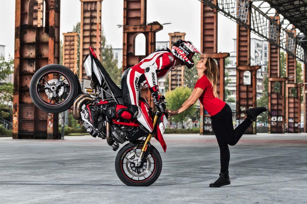 2019-Ducati-Monster-Hypermotard-950-SP-First-look-supermoto-motorcycle-9-1024x682.jpg