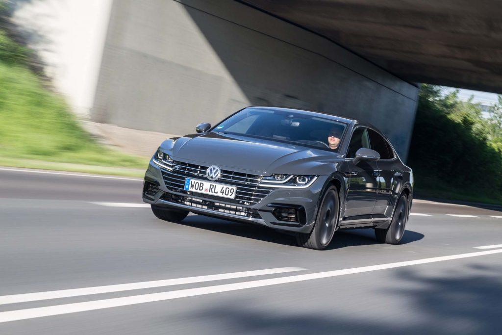 2019-Volkswagen-Arteon-R-Line-front-three-quarter-in-motion-17-1024x683.jpg