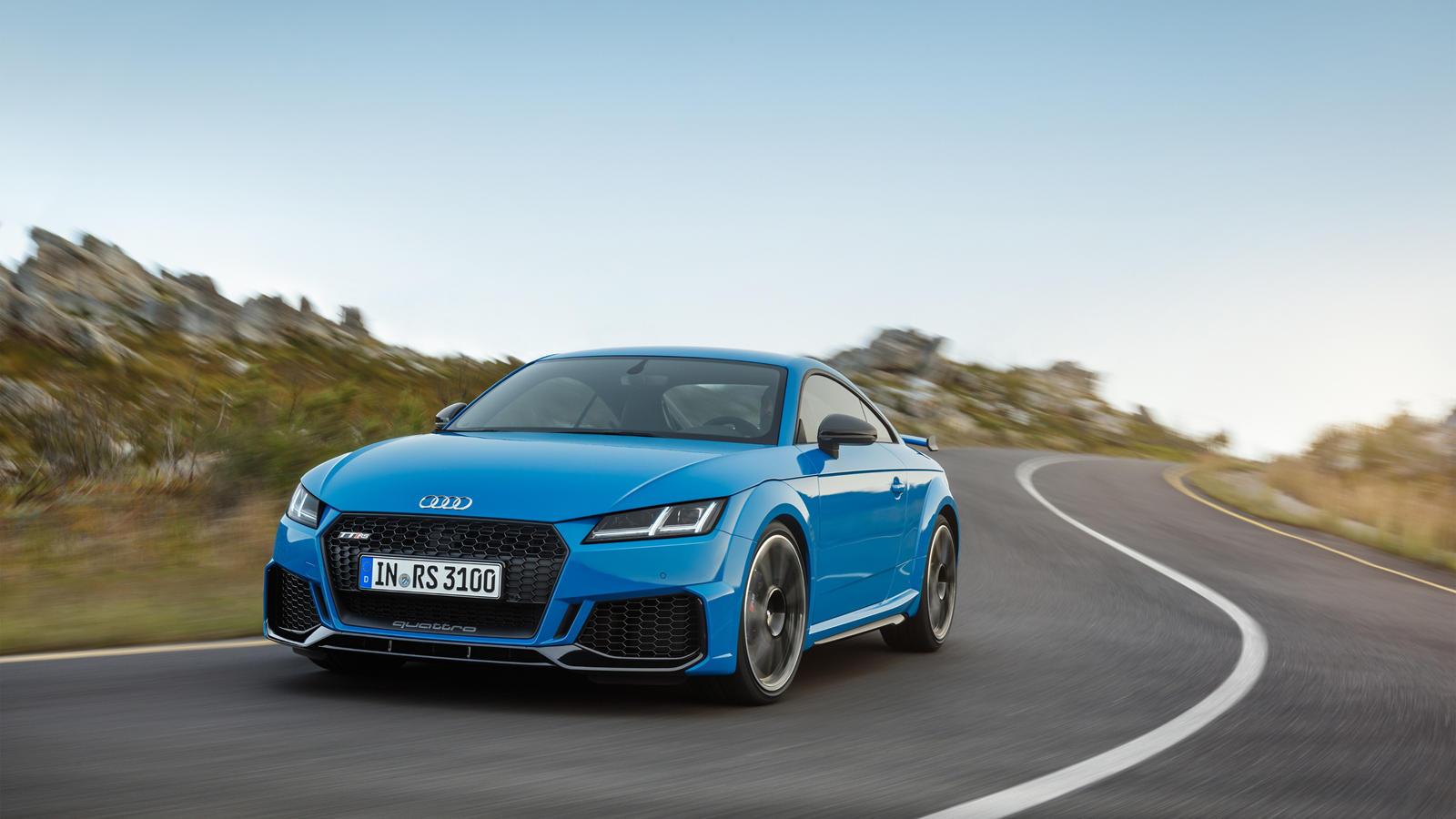 Audi Ra Mắt Phien Bản Facelift Của Tt Rs Coupe Va Roadster