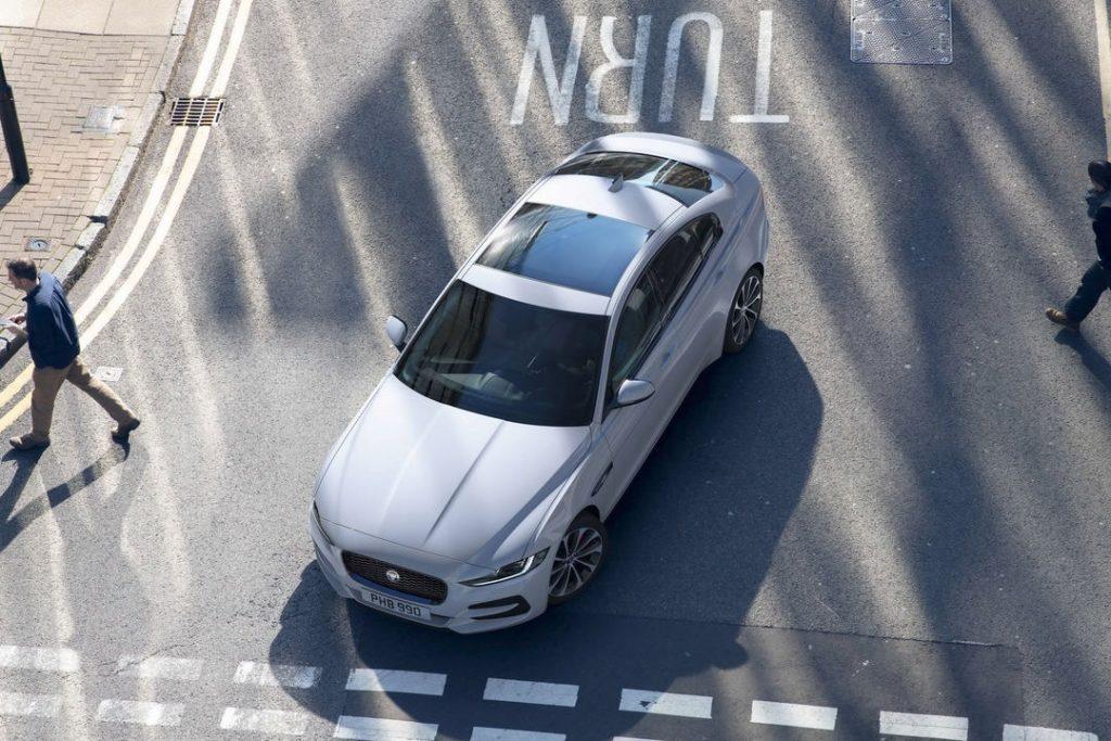jaguar_xe_2020_02-1024x683.jpg