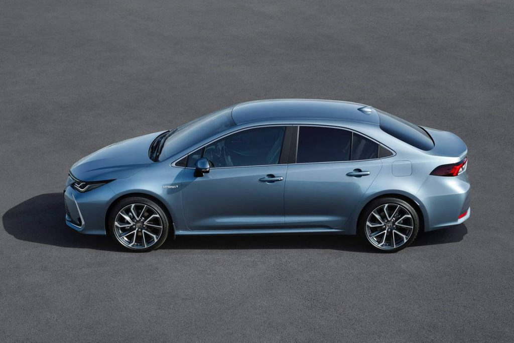 2019-toyota-corolla-sedan-euro-spec-01-1024x683.jpg