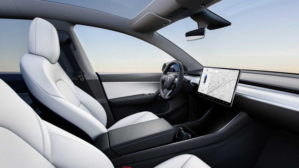 2021-tesla-model-y-interior-1024x576.jpg
