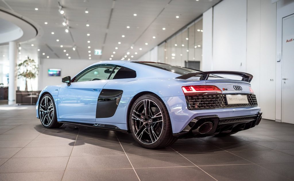 880b8267-audi-r8-frosted-glass-blue-2-1024x632.jpg