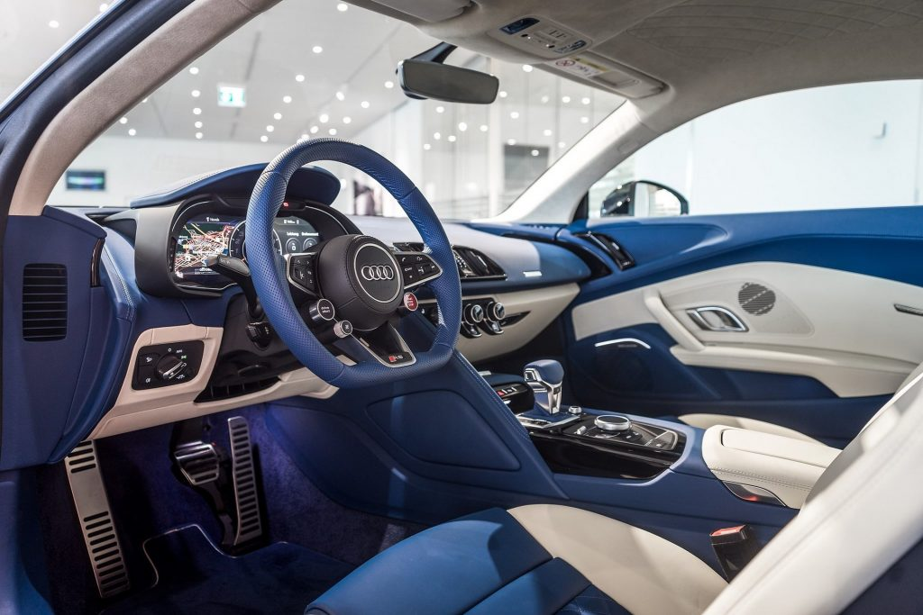 8a862116-audi-r8-frosted-glass-blue-3-1024x683.jpg