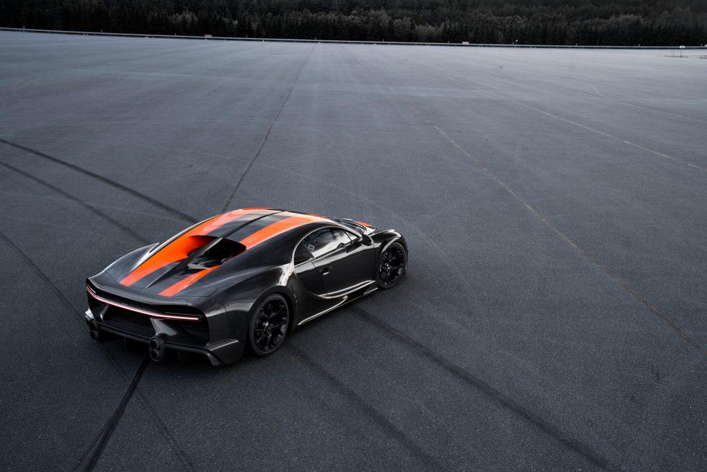 Black-Bugatti-Chiron-1024x683.jpg