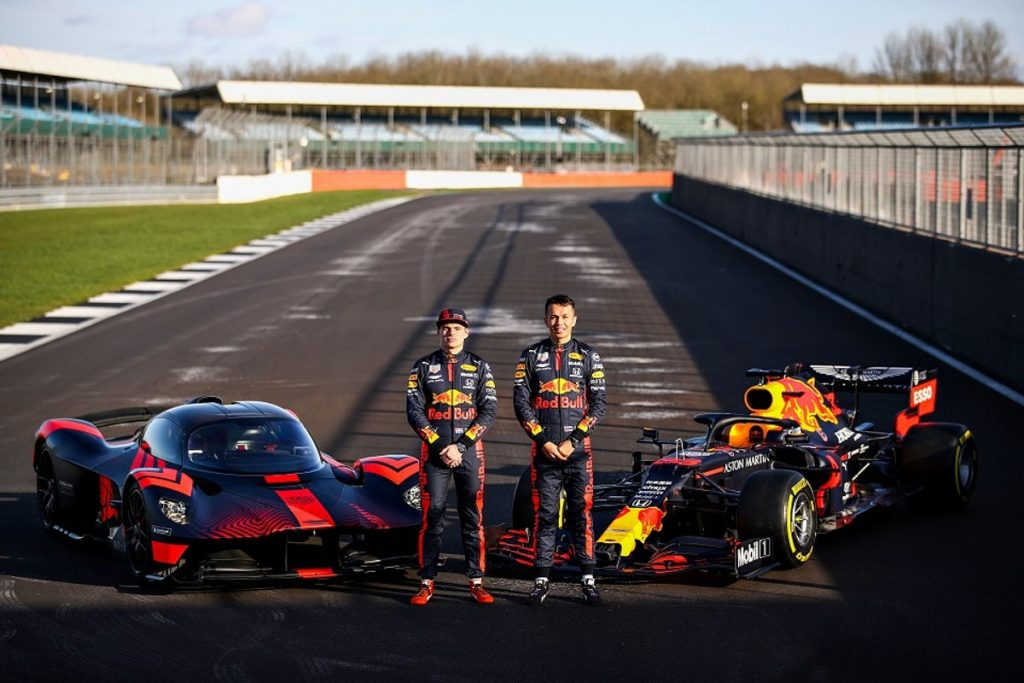 Aston-Martin-Valkyrie-Aston-Martin-Red-Bull-Racing-RB16-with-Max-Verstappen-Alex-Albon-1024x683.jpg