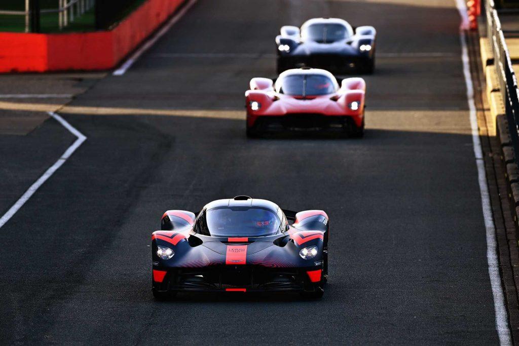 Aston-Martin-Valkyrie-Testing-07_result-1024x683.jpg