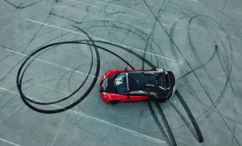 bugatti-veyron-rwd-conversion-doing-donuts_100664178_l.jpg
