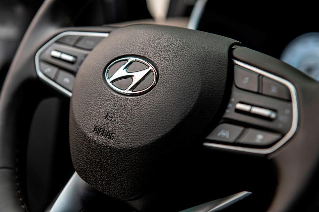 Hyundai-Santa-Fe-2021-22-1024x682.jpg